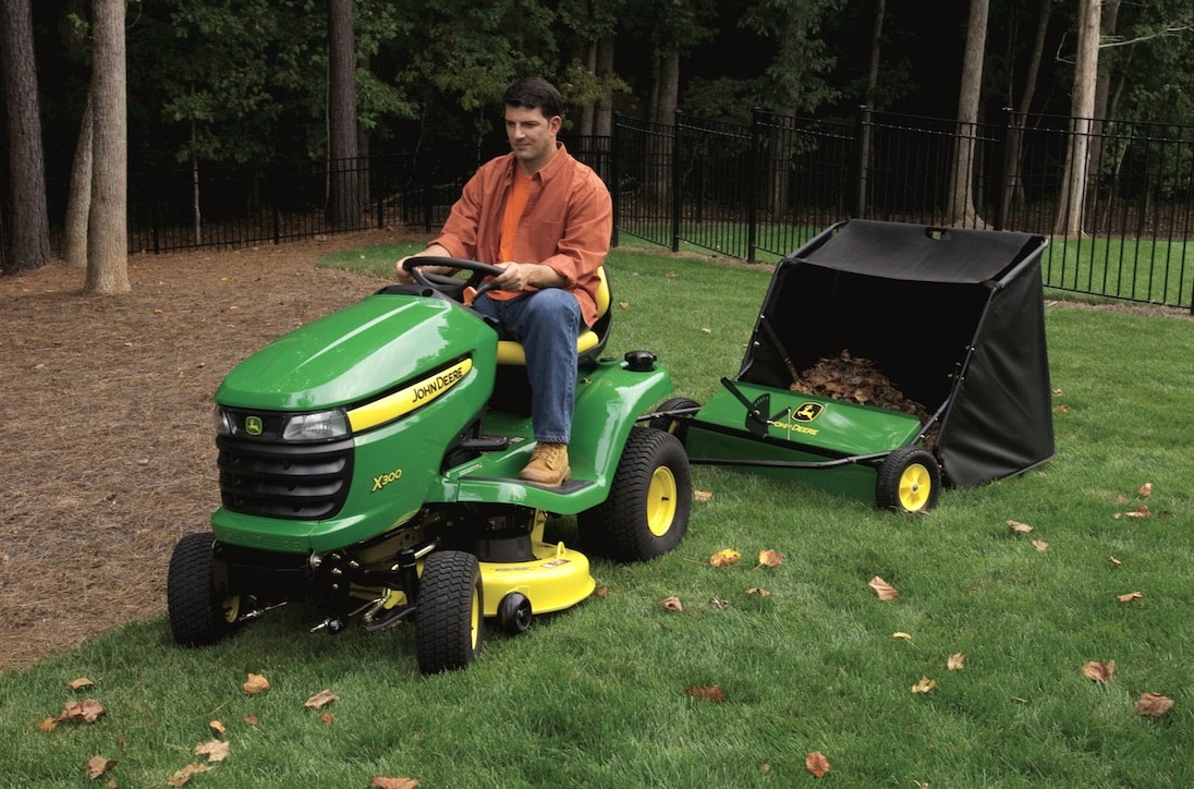 Deere Michigan: Here's How to Prep your Lawn in Summer for Fall