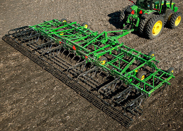 2230LL Level-Lift Field Cultivator
